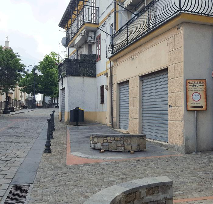 segnale piazza garibaldi chiaromonte per macelleria de salvo arturo