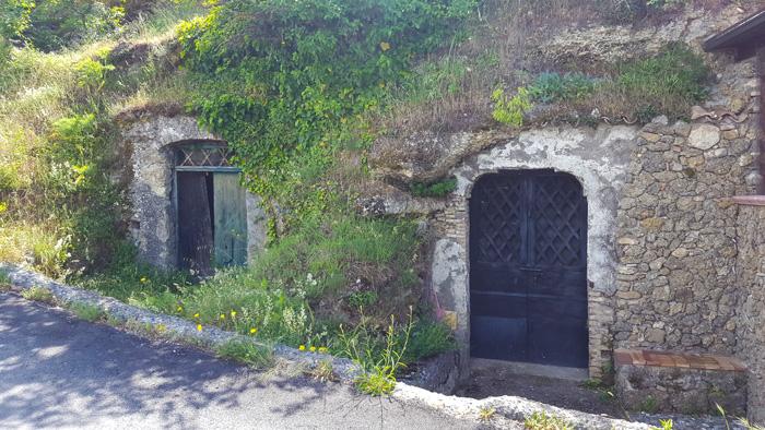 grotte tipiche di chiaromonte per conservare il vino